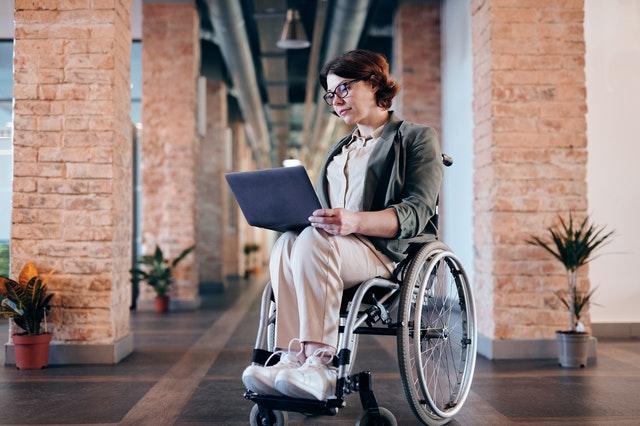 zaposljavanje-osoba-s-invaliditetom-edukacije